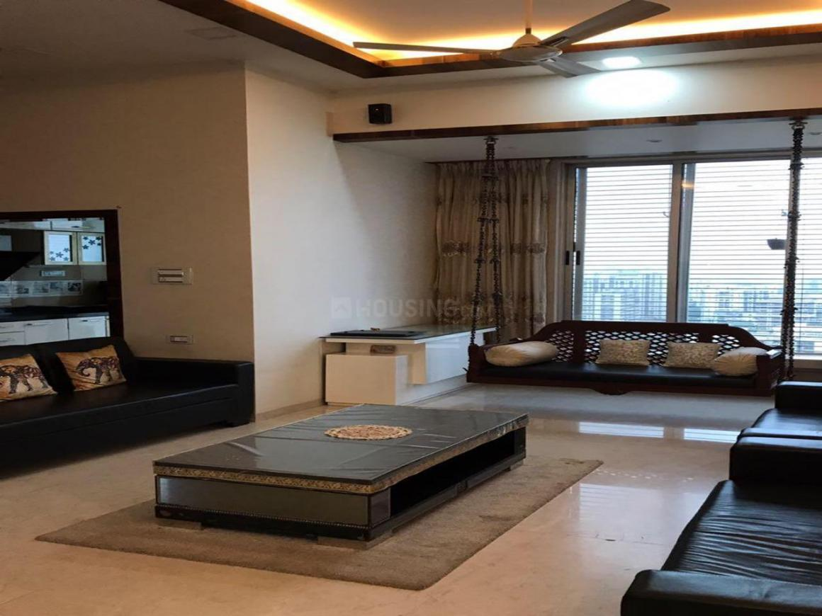 Living Room Image of 2000 Sq.ft 4 BHK Apartment for buy in Kandivali West for 65000000