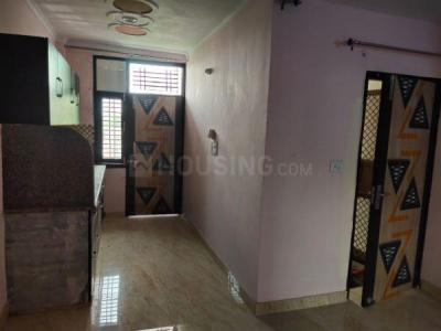 Gallery Cover Image of 450 Sq.ft 1 BHK Independent Floor for rent in RWA Yamuna Vihar Block C2, Shahdara for 7000