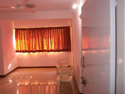 Gallery Cover Image of 589 Sq.ft 1 BHK Apartment for rent in Malad East for 25000