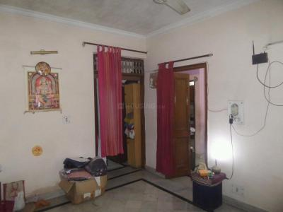 Gallery Cover Image of 900 Sq.ft 2 BHK Independent Floor for rent in DLF Phase 3 for 20500