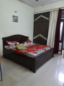 Gallery Cover Image of 850 Sq.ft 2 BHK Apartment for buy in Gyan Khand for 3399000