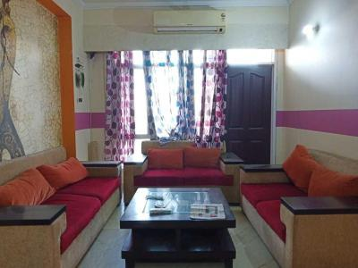 Gallery Cover Image of 1900 Sq.ft 3 BHK Apartment for rent in Ahinsa Khand for 26000
