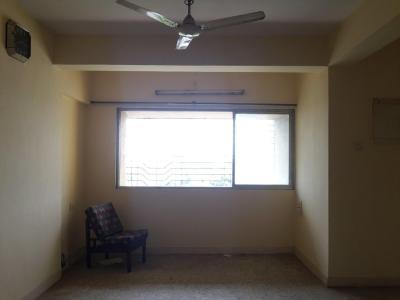 Gallery Cover Image of 1300 Sq.ft 3 BHK Apartment for buy in Malad East for 14000000