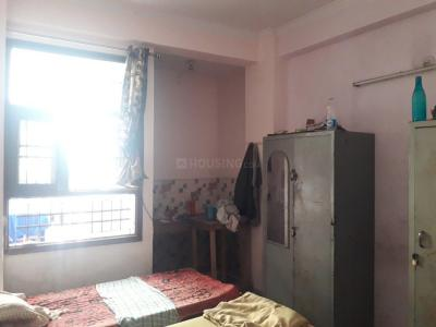 बालाजी पीजी इन सेक्टर 62 के बेडरूम की तस्वीर
