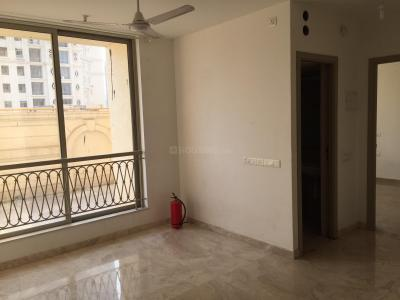 Gallery Cover Image of 630 Sq.ft 1 BHK Apartment for rent in Hiranandani Estate for 19000