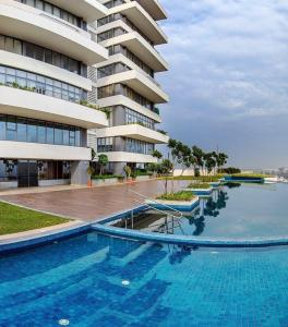 Gallery Cover Image of 2378 Sq.ft 3 BHK Apartment for buy in TATA Housing The Promont, Hosakerehalli for 22100000