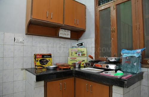 सेक्टर 21 में पूनम हाउस के किचन की तस्वीर