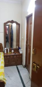 Gallery Cover Image of 1000 Sq.ft 2 BHK Apartment for buy in Hauz Khas for 22500000