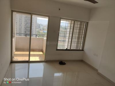 Gallery Cover Image of 685 Sq.ft 1 BHK Apartment for rent in Mantra Mantra Senses, Handewadi for 8800
