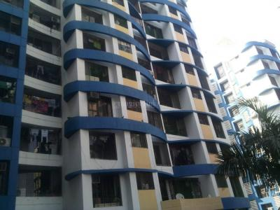 Gallery Cover Image of 1400 Sq.ft 3 BHK Apartment for rent in Kandivali East for 40000
