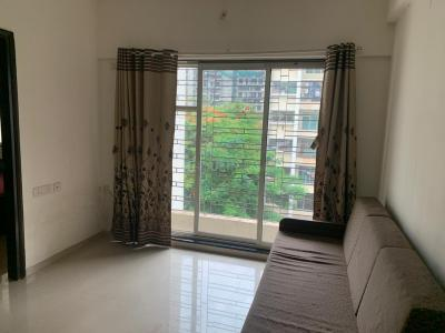 Gallery Cover Image of 645 Sq.ft 2 BHK Apartment for rent in Raheja Ridgewood, Goregaon East for 38000