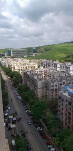 Gallery Cover Image of 2200 Sq.ft 3 BHK Villa for rent in New Dindoshi Hill View, Goregaon East for 70000