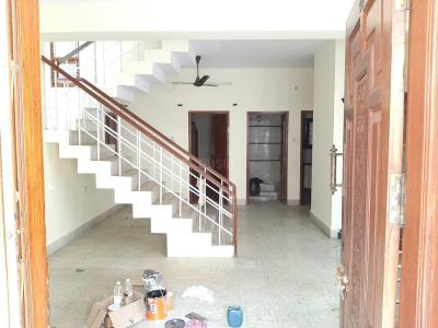 Gallery Cover Image of 1655 Sq.ft 4 BHK Independent Floor for rent in Murugeshpalya for 35000