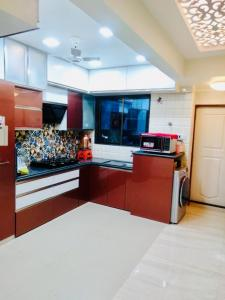 Gallery Cover Image of 890 Sq.ft 2 BHK Apartment for buy in Bhandup East for 15000000