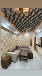 Gallery Cover Image of 1300 Sq.ft 3 BHK Apartment for buy in Mansarovar for 2390000