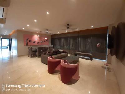 Gallery Cover Image of 2194 Sq.ft 3 BHK Apartment for rent in Oberoi Esquire, Goregaon East for 130000
