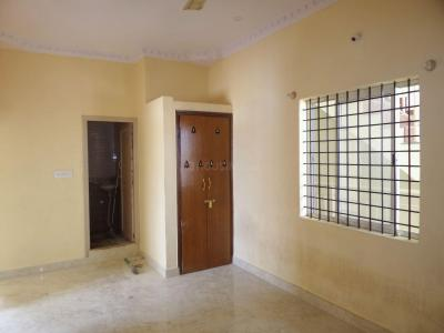 Gallery Cover Image of 850 Sq.ft 2 BHK Apartment for rent in 5th Phase for 15000