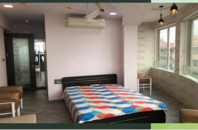 Gallery Cover Image of 1150 Sq.ft 2 BHK Apartment for rent in Marine Lines for 180000
