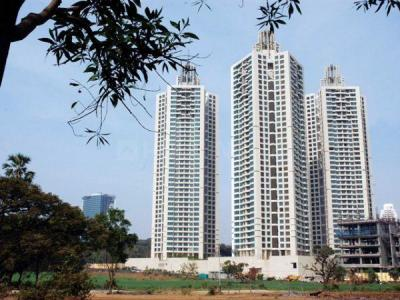 Gallery Cover Image of 1100 Sq.ft 3 BHK Apartment for rent in Goregaon East for 68000