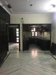 Gallery Cover Image of 1050 Sq.ft 2 BHK Apartment for rent in Paschim Vihar for 20000
