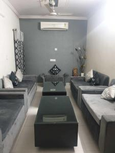 Gallery Cover Image of 1120 Sq.ft 3 BHK Independent Floor for rent in Paschim Vihar for 30000