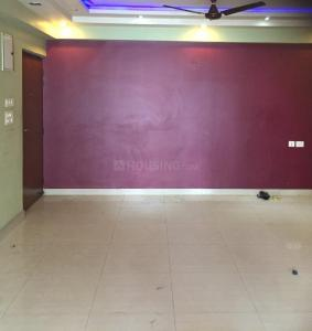 Gallery Cover Image of 1260 Sq.ft 3 BHK Apartment for rent in Merlin Warden Lakeview, Ultadanga for 28000