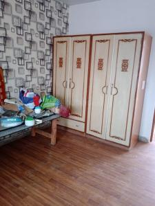 Gallery Cover Image of 700 Sq.ft 1 BHK Independent Floor for rent in DDA Flat Janakpuri, Janakpuri for 14000