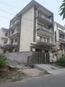 Gallery Cover Image of 1000 Sq.ft 1 BHK Independent Floor for rent in Sector 122 for 12000