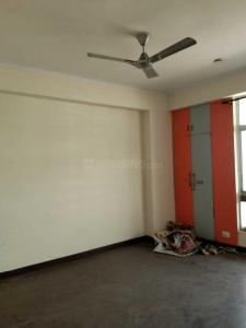 Gallery Cover Image of 1600 Sq.ft 3 BHK Apartment for rent in Crossings Republik for 9000