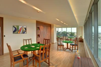 Gallery Cover Image of 1677 Sq.ft 3 BHK Apartment for buy in Prestige Woodland Park, Cox Town for 25000000