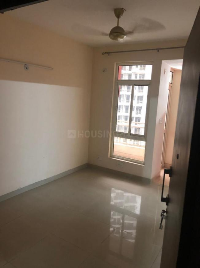 Living Room Image of 890 Sq.ft 2 BHK Apartment for rent in Noida Extension for 7000