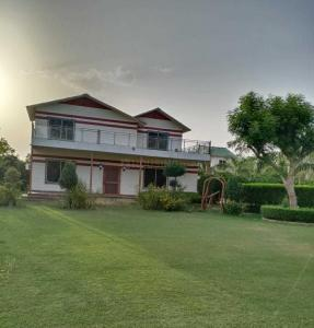 Gallery Cover Image of 5000 Sq.ft 3 BHK Villa for buy in Sector 137 for 7500000