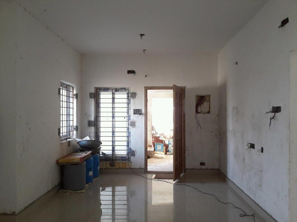 Living Room Image of 1200 Sq.ft 3 BHK Apartment for rent in Porur for 15000