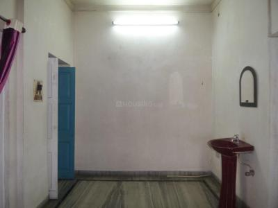 Gallery Cover Image of 1200 Sq.ft 3 BHK Apartment for rent in Lake Gardens for 20000