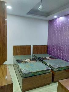 Bedroom Image of Aryan PG in Karol Bagh