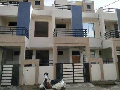 Gallery Cover Image of 850 Sq.ft 3 BHK Independent House for buy in Tilhari for 4850000