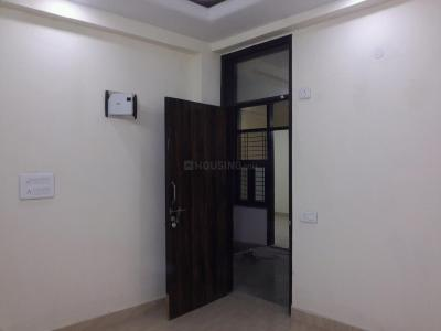 Gallery Cover Image of 560 Sq.ft 2 BHK Apartment for rent in Sector 4 Rohini for 12000