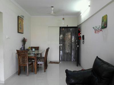 Gallery Cover Image of 800 Sq.ft 2 BHK Apartment for buy in Borivali West for 18600000