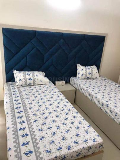Bedroom Image of Romit PG in Sector 60