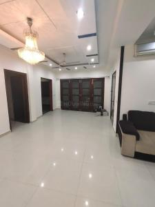 Gallery Cover Image of 1800 Sq.ft 3 BHK Independent Floor for rent in C Block RWA Kailash Colony, Greater Kailash I for 45000