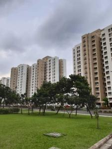 Gallery Cover Image of 1226 Sq.ft 3 BHK Apartment for rent in Unitech Vistas, New Town for 20000