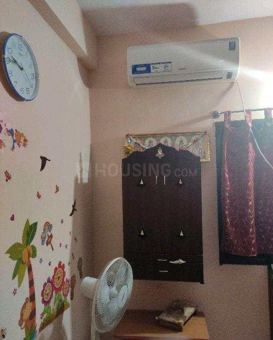 Bedroom Image of 740 Sq.ft 2 BHK Apartment for rent in Selaiyur for 10000