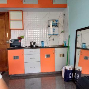 Gallery Cover Image of 400 Sq.ft 1 BHK Apartment for rent in Ulsoor for 16000