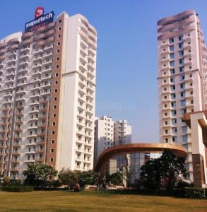 Gallery Cover Image of 2450 Sq.ft 4 BHK Apartment for rent in Omicron I Greater Noida for 25000