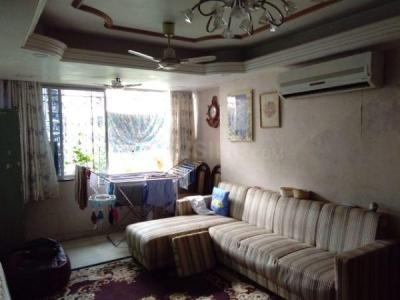 Gallery Cover Image of 850 Sq.ft 2 BHK Apartment for buy in Vaishali Apartment, Byculla for 24000000