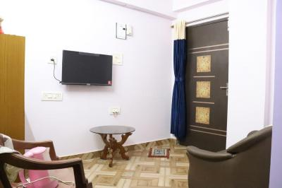 Gallery Cover Image of 788 Sq.ft 2 BHK Apartment for rent in Vinayak Apartment, Chandannagar for 9000