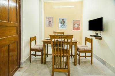 Dining Room Image of Oyo Life Kol1293 Mukundapur in Mukundapur