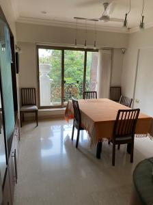 Gallery Cover Image of 1765 Sq.ft 3 BHK Apartment for buy in Khar West for 97500000
