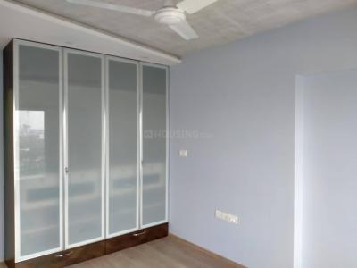 Gallery Cover Image of 1200 Sq.ft 3 BHK Apartment for rent in Kanakia Paris, Bandra East for 125000