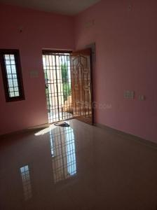 Gallery Cover Image of 600 Sq.ft 1 BHK Independent Floor for rent in Anakaputhur for 6000